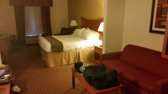 Holiday Inn Express & Suites Jacksonville North - Fernandina: Our room