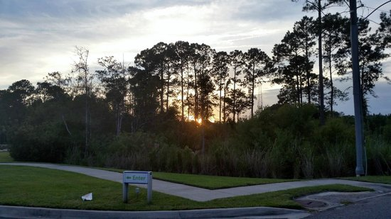 Holiday Inn Express & Suites Jacksonville North - Fernandina: Sunset from front of hotel