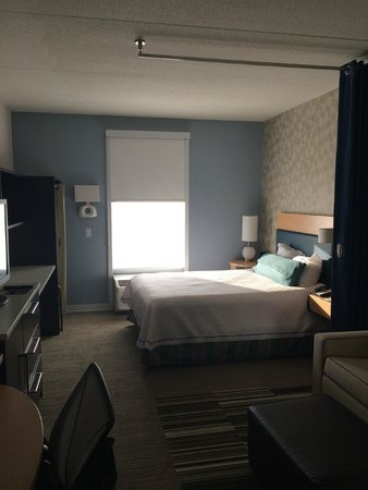 Home2 Suites by Hilton Nashville Airport: King Bed suite