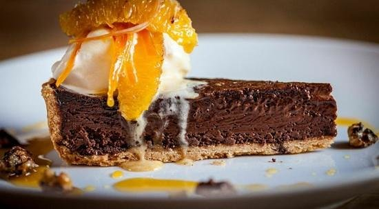 Bampton, UK: chocolate tart