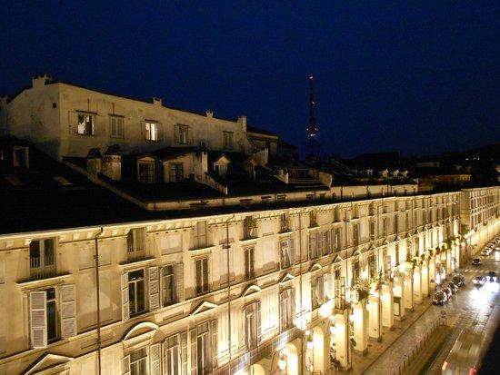 Piazza Castello Apartment: veduta edifici di via Po