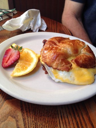 Costello's Travel Caffe: Croissant with bacon egg and cheddar