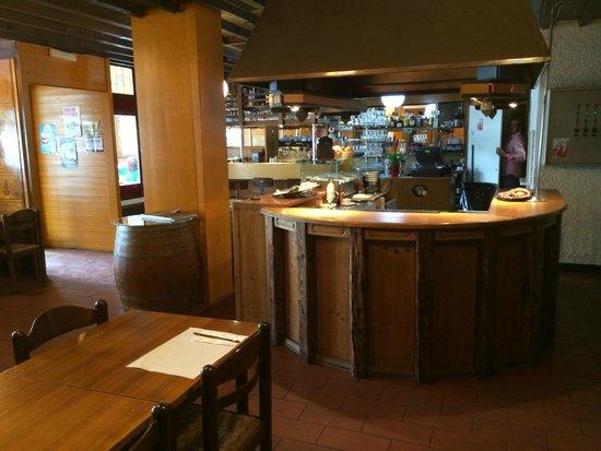 Versoix, Suisse : Vue intérieure du restaurant