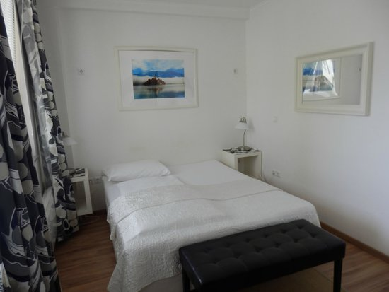 Bled Apartments : Spotless bedroom