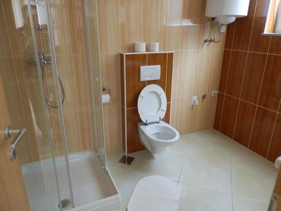 Bled Apartments : Large bathroom