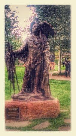 Leanin' Tree Museum of Western Art: outdoor sculptures enhance the visit