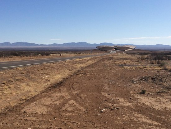 Spaceport America: Driving to the Hangar