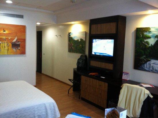 Hotel Galeria Man-Ging : Entrée chambre