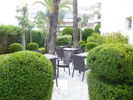 NH Marbella: Jardines