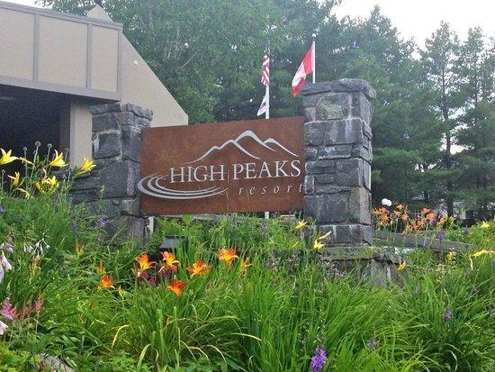 High Peaks Resort : Front Sign