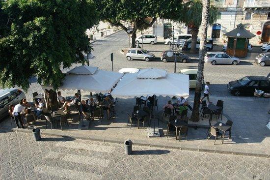 B&B Sognando Ortigia : View of breakfast cafe