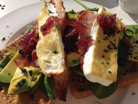 The Singing Kettle Tearoom: Scrummy brie, bacon and avocado