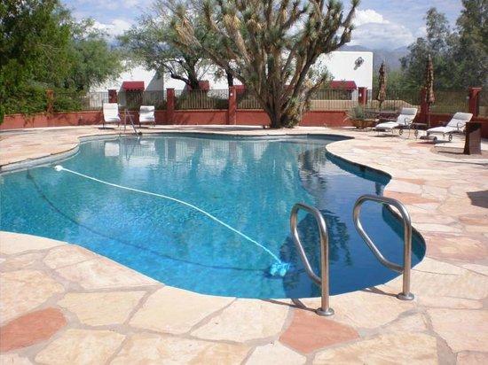 The Inns at El Rancho Merlita: Pool