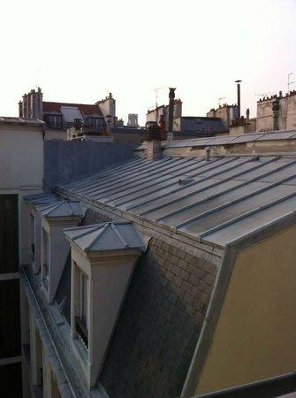 Hotel des Saints Pères - Esprit de France : вид из окна
