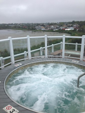 Atlantic Beach Hotel & Suites : roof top hot tub