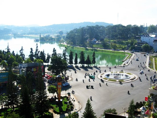 Xuan Huong Lake : View from my hotel