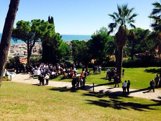 Giardino con vista mare picture of il parco sul mare - Il giardino sul mare ...