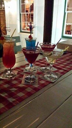 De Vagebond Restaurant: Cocktails!!!