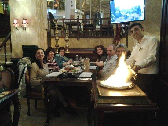 Harem Restaurant : una foto di gruppo
