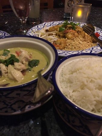 Pad Thai Emerald Curry White Rice Picture Of Bangkok