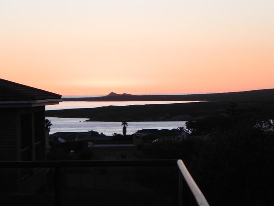 Glenfinnan Guest House: Sunset from Glenfinnan, Langebaan