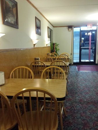 Red Roof Inn Hillsville : Lobby/ breakfast area