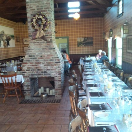 Miners Village Restaurant: inside seating