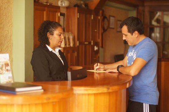Hotel Cafe Jinotega : Recepción