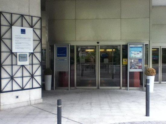 Novotel Madrid Campo de las Naciones: Main Entrance