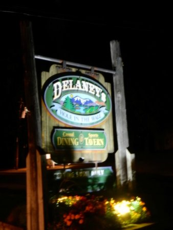 Delaney's Hole in the Wall: On the main drag in North Conway.
