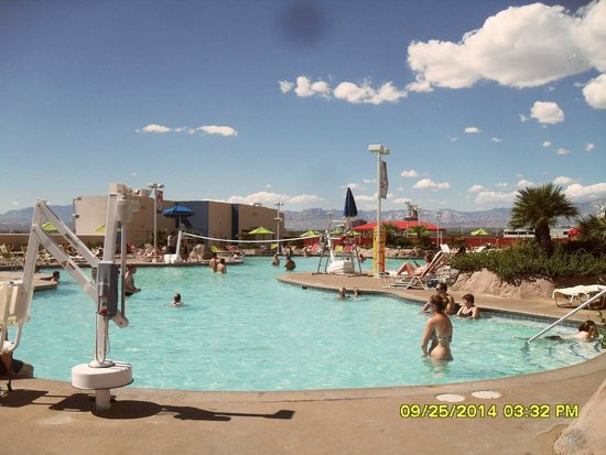 Image gallery stratosphere pool for Pool trade show las vegas
