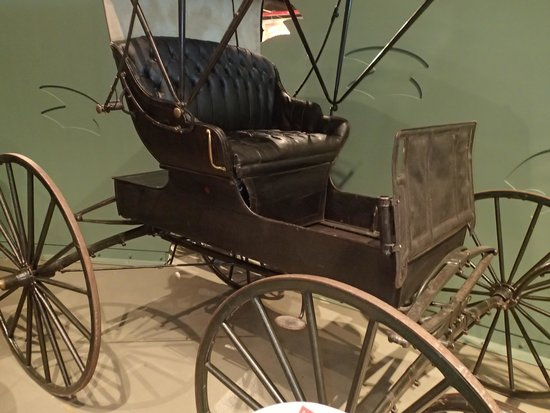 Reynolds-Alberta Museum: old buggy