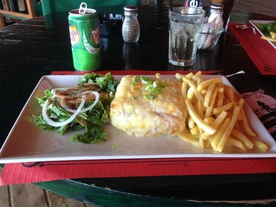 Friars Bay Beach Cafe: un croque monsieur....