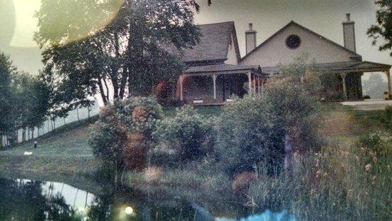 Chesterfield Inn: Our Room