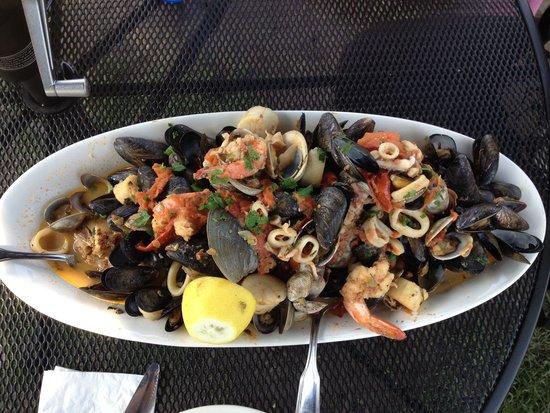 Zuppa di pesce picture of boston fish market des for Boston fish market chicago