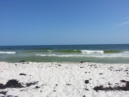 Bel Sole Condominiums: Beach in front of comples