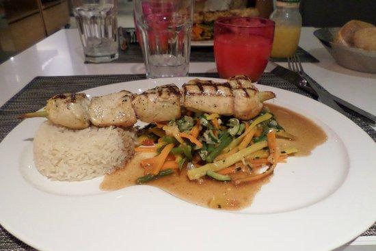 L'Eiffel Cafe Restaurant