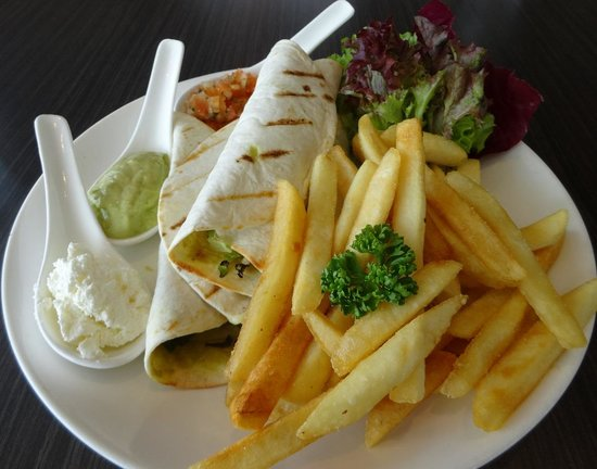 Bila-Bila Restaurant: Chicken Tortilla with Chips