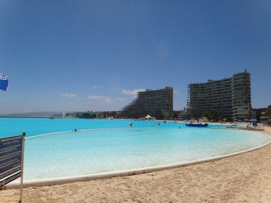 San Alfonso del Mar: Vista da piscina