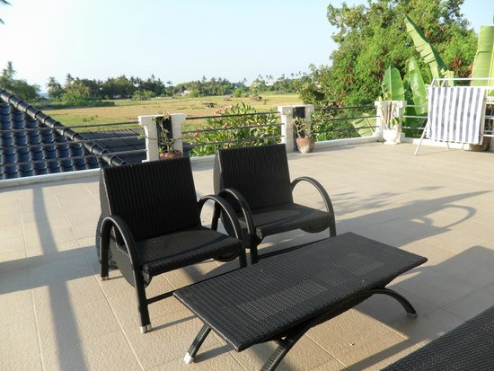 Tepe Villa Lux: Seating on the deck