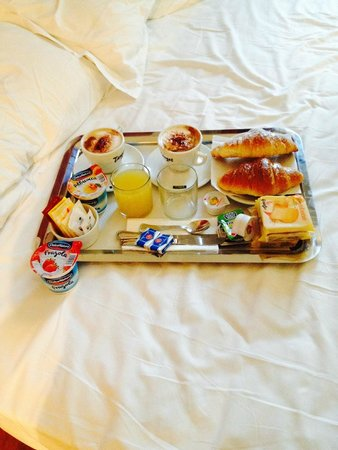 Target Inn: Breakfast in bed
