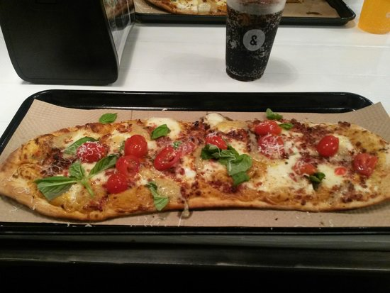& Pizza : Gnarlic