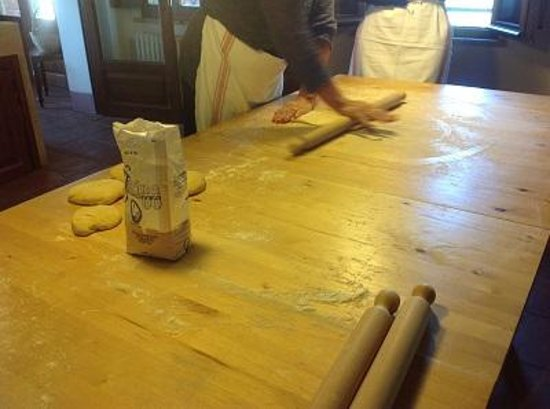 Cooking Classes with Nonna Ciana : Making the pasta