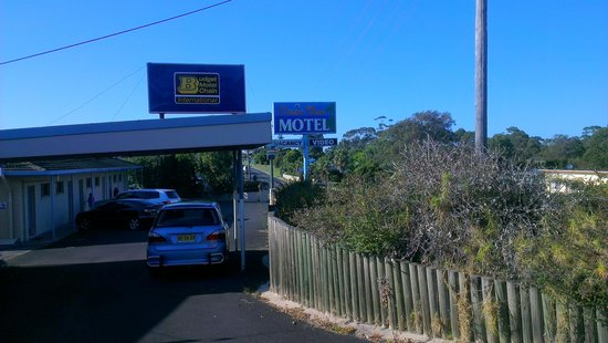 Ocean View Motel: Entrance
