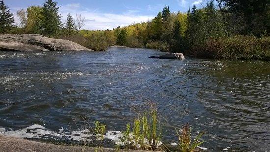 Winnipeg River am Pinawa Dam