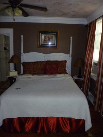 Fair Street Guest House: Main Bedroom