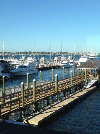Wyndham Inn on the Harbor: Ann St Landing - View from #204 at Wyndam Inn on the Harbor