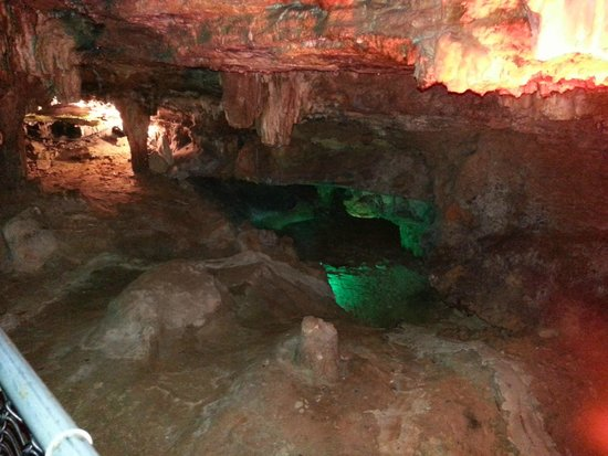 Onyx Cave Park: Onyx cave lighting