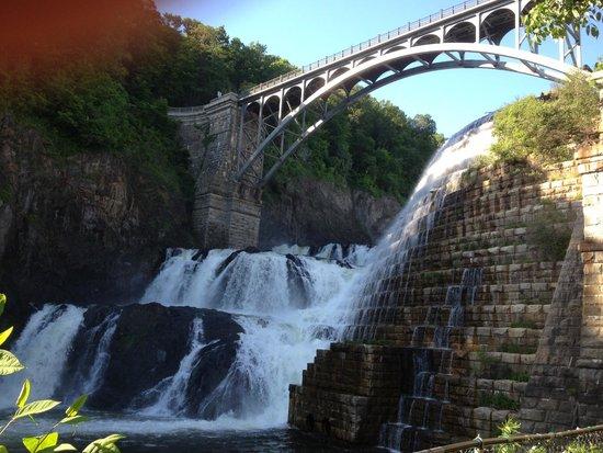 New Croton Dam: Close up view