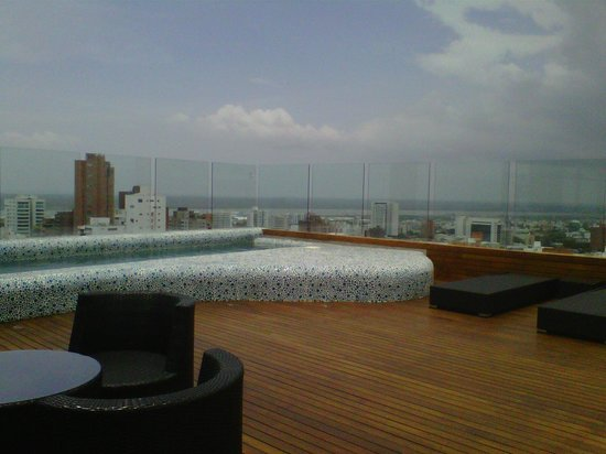 NH Collection Barranquilla Smartsuites Royal : La vista desde la terraza